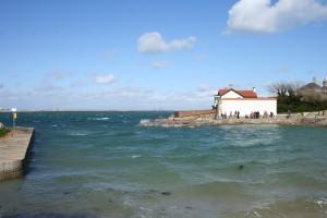 Very choppy sea